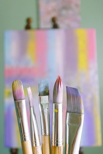 shallow-focus-photo-of-paint-brushes-1646953